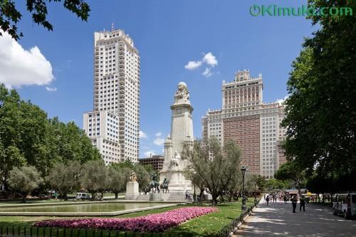 Plaza_de_Espana_de_Madrid.jpg