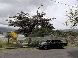hydroelectric-Cachi-Dam.-COSTA-RICA-LIMOUSINE-SERVICE-300D-W123.jpg