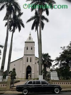 iglesia-catolica-atenas-costa-rica.-MERECEDES-LIMOUSINE-SERVICE-LWB-W123-LANG.jpg